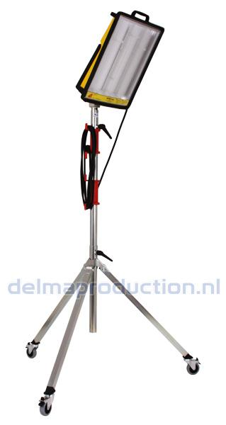 Tripod worklight stand 3-part, mobile (4)
