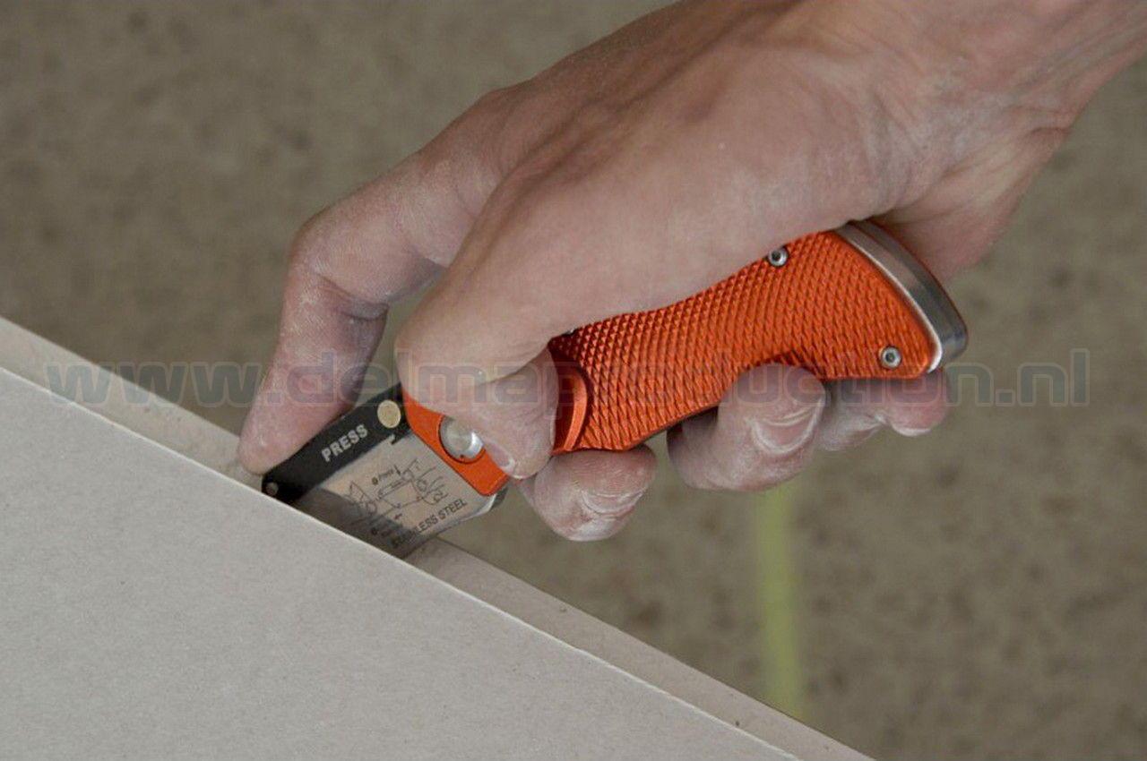 Gipsplaten en tapijt snijmes Inklapbare tapijt en gips-  platensnijder, met 4 messen en veiligheidshouder voor bevestiging aan een riem.  (2)