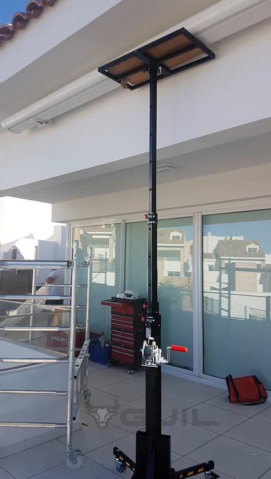 Materiaallift 1,5-4,6 m 125 kg verrijdbaar (dutch) (3)