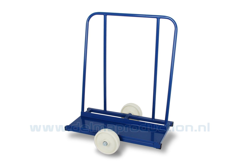 Platen Transportwagen 600 kg Uitgevoerd met gelagerde nylonwielen.  (1)