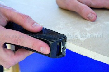 2730080-Plasterboard-rasp-Mini-application-1-web